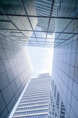 Foto auf Leinwand An der Decke Skyscraper to the sky
