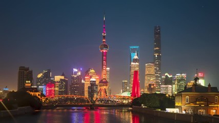 Fotomurales - time lapse of sunset, Shanghai skyline and Waibaidu bridge, China
