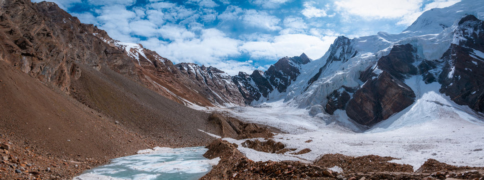 Panoramic view of Gondogoro La mountain range from the way to Khuspang, Pakistan