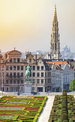 Keuken foto achterwand Brussel Panoramic view on Brussel . Horse statue and cathedral in the background.