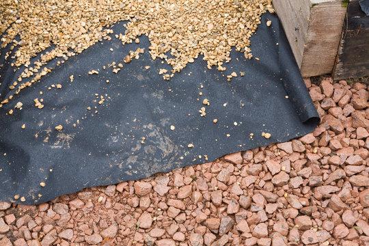 Hard landscaping materials, laying gravel path, UK