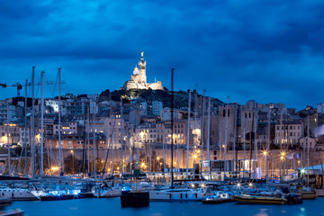 Fototapete - Night Old Port and the Basilica of Notre Dame de la Garde on the background, on the hill, Marseille, France