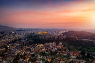 Fototapete - Luft Panorama der Skyline von Athen, Griechenland, mit Acropolis, Altstadt und romantischem Himmel bei Sonnenuntergang