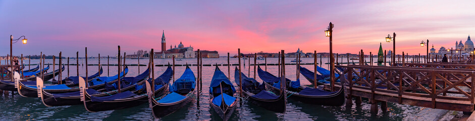 Keuken foto achterwand Gondolas Church of San Giorgio Maggiore with gondolas at sunset time, Venice, Italy