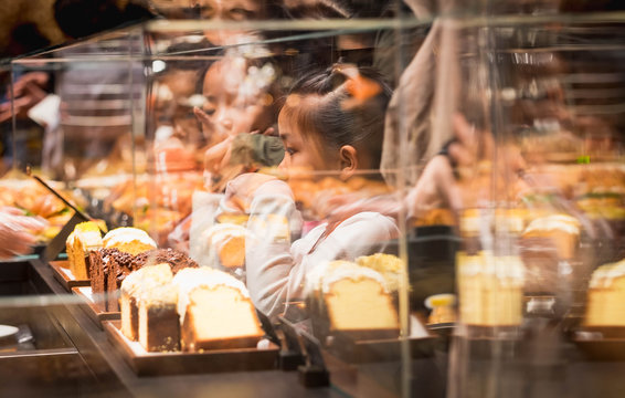 The unspecific girl would like to eat bread at the  Shanghai Starbucks Roastery