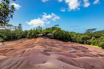 Wall Mural - Siebenfarbige Erde in Chamarel auf der Insel Mauritius