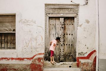 Foto auf Gartenposter Sansibar Zanzibar Stone Town Child