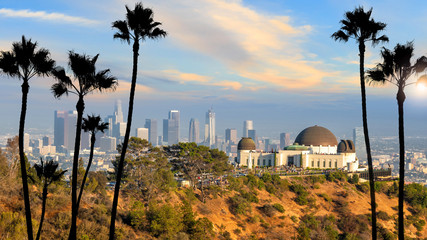 Fotomurales - The Griffith Observatory and Los Angeles city skyline