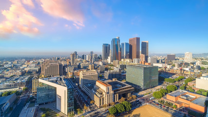 Fotomurales - Beautiful sunset of Los Angeles downtown skyline