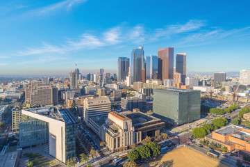 Fotomurales - Beautiful sunset of Los Angeles downtown skyline in CA