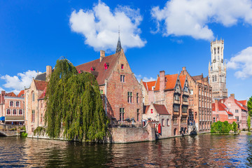 Foto auf Leinwand Brugge Bruges, Belgium. The Rozenhoedkaai canal and the Belfry.