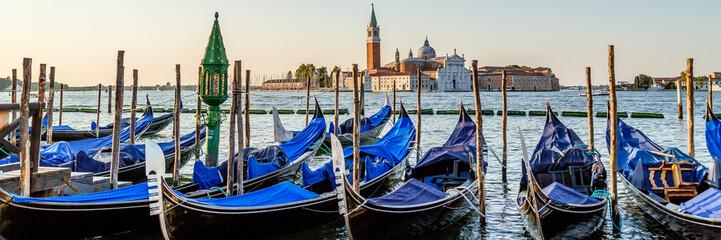 Foto op Plexiglas Gondolas Venice gondolas