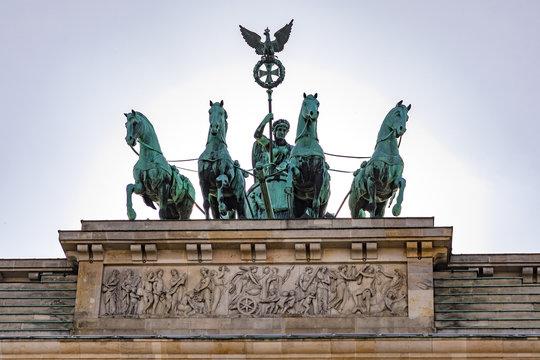 Das Viergespann der Quadriga auf dem Brandenburger Tor in Berlin