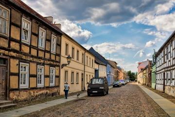Fotomurales - neuruppin, deutschland - verfallene häuser in der altstadt