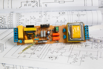 Obraz electrical engineering drawings and electronic board - fototapety do salonu