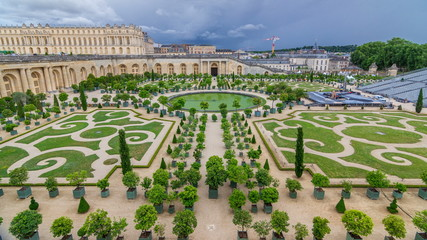 Famous palace Versailles with beautiful gardens timelapse. Fotobehang