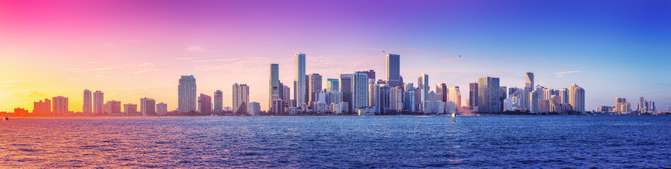 panoramic view at the skyline of miami while sunset Fototapete