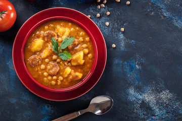 Chickpea stew with chorizo and potatoes Fototapete