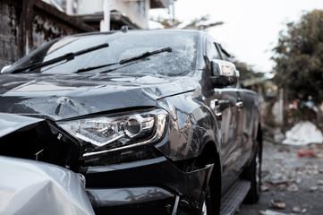 Obraz car crash accident on street - fototapety do salonu