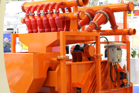 A fragment of equipment for the oil and gas industry. Drilling fluid treatment equipment.