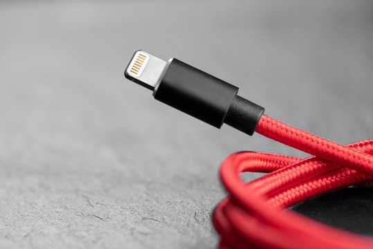 8-pin lightning cable for smartphone