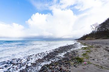 Strand mit Steilufer bei Warnemünde