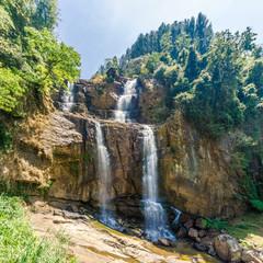 Fototapete - View at the Ramboda Falls (109 m) in Sri Lanka