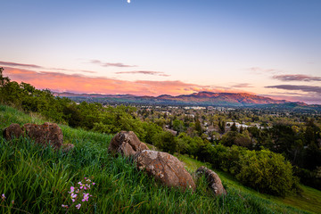 Dinosaur Hill Park at Sunset Fotobehang