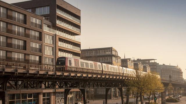 U3 bei den Landungsbrücken in Hamburg