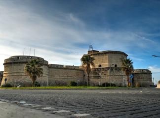 Vue sur la forteresse médiévale de Michelangelo à Civitavecchia, Italie