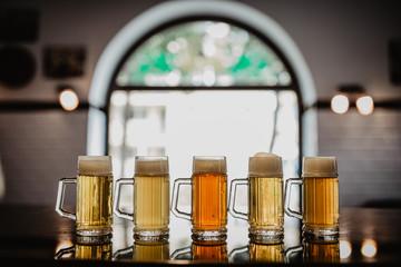 Obraz piwo, napoje, kufle piwa - fototapety do salonu