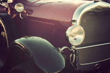 Fotomurales - old classic car front close-up