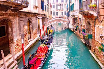 Foto op Aluminium Gondolas Traditional scenic canal street with venetian gondola in Venice, Veneto, Italy