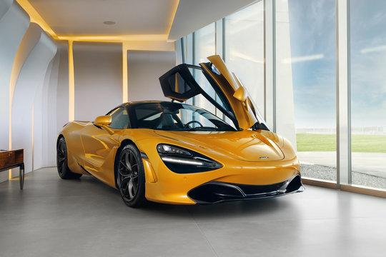 McLaren 720s at the room