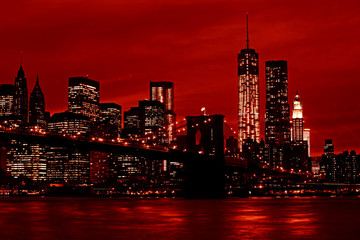 Photo sur Toile Rouge mauve Manhattan and Brooklyn Bridge at night