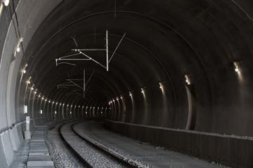 Fotomurales - railway tunnel