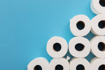 Photo sur Aluminium Pays d Afrique Toilet paper roll background. overhead flat lay.