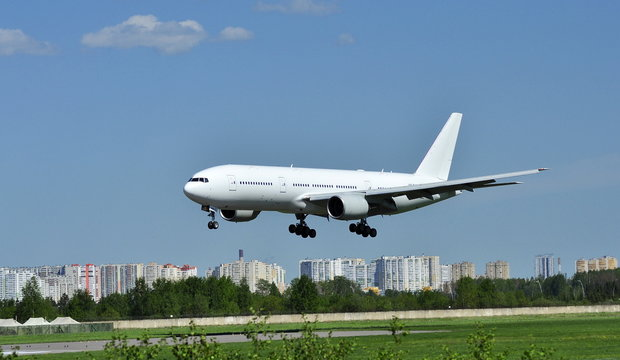 Landing a Boeing 777. Pulkovo Airport