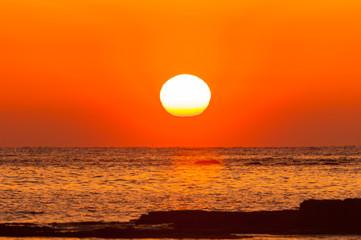 Foto auf Leinwand Rotglühen 紀州白浜の夕陽