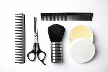 Papiers peints Salon de coiffure Professional hairstyling tools on white background, flat lay