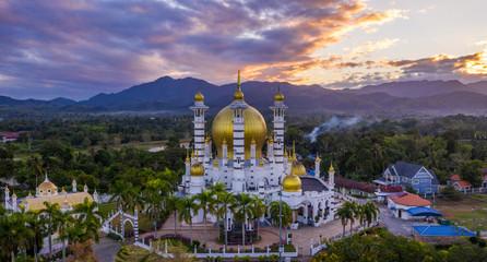 Fotobehang Bedehuis Aerial view of the beautiful Ubudiah Mosque in Kuala Kangsar, Perak, Malaysia.