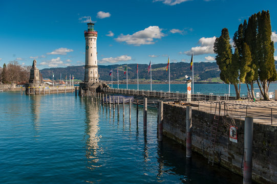 Port entrance with lighthouse, Lindau, Lake Constance (Bodensee)