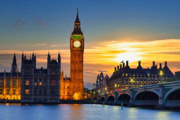 Big Ben and Westminster Bridge in London at sunset, UK Fotomurales