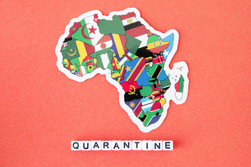 Poster Afrique Map of Africa and word quarantine on a red background. Worldwide pandemic concept.