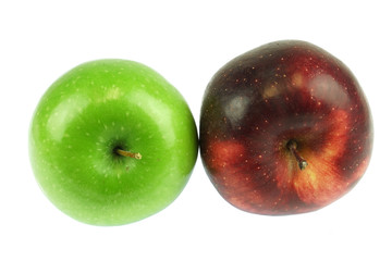Wall Mural - green and red apples isolated on white background