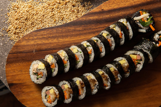853 BEST 김밥 IMAGES, STOCK PHOTOS & VECTORS | Adobe Stock