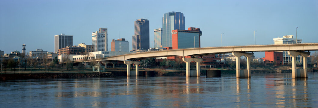 Panoramic view of Arkansas River and skyline in Little Rock, Arkansas