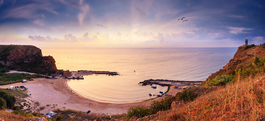 Papiers peints Beige Coastal landscape - top view of the sunrise in the Bolata cove on the Black Sea coast of Bulgaria