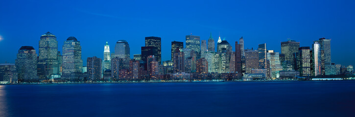 Fototapete - Panoramic view of Lower Manhattan and Hudson River at dusk, where World Trade Towers were located, NY