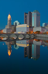 Wall Mural - Scioto River and Columbus Ohio skyline at dusk